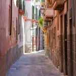 5612487-old-style-mediterranean-houses-as-found-in-spain-and-italy