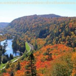 Agawa-canyon-train-canyon